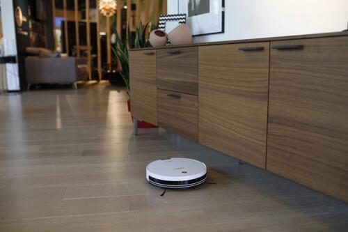 Ecovacs Robotics Deebot M82 pulizia pavimenti